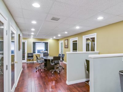 professional-business-suites-in-whittier-6